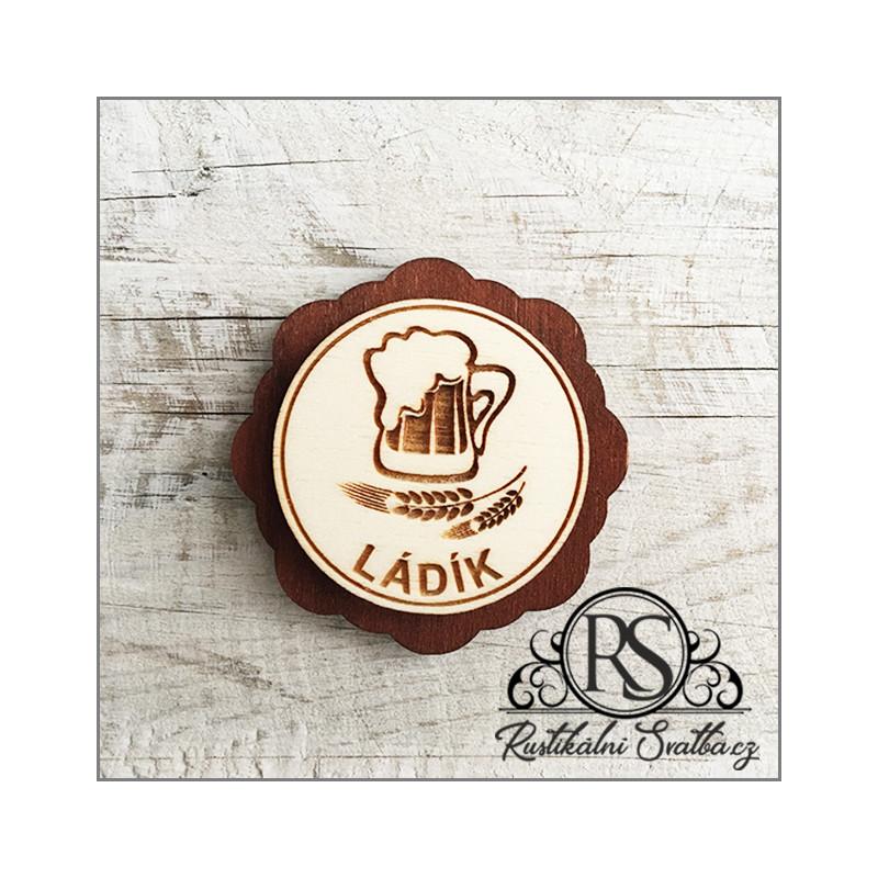 Dřevěná magnetická jmenovka - odznak pro svatební obsluhu