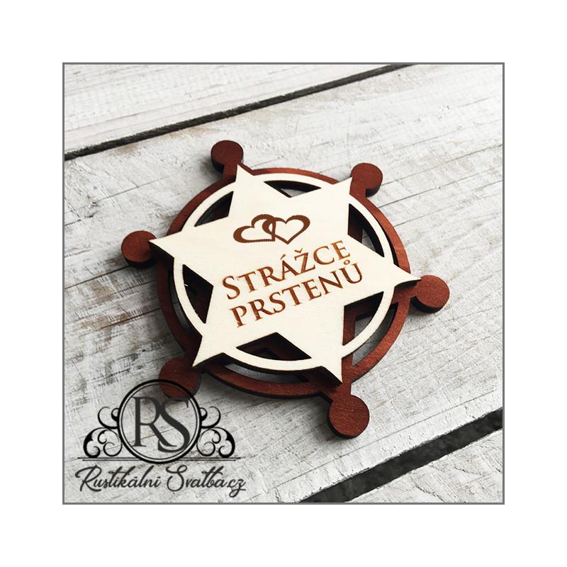 Dřevěný svatební magnetický odznak - Strážce prstenů