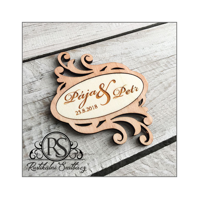 Dřevěné svatební tácky pod šampusky vhodné na svatební obřad