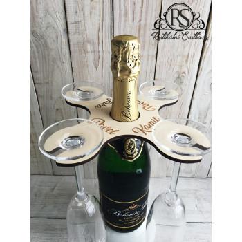 Dřevěný svatební stojánek na lahev sektu a čtyři šampusky