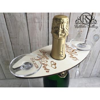 Dřevěný svatební stojánek na lahev sektu a dvě šampusky.