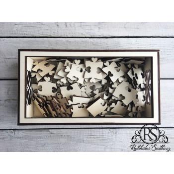 Dřevěná krabička na dílky puzzle z knihy hostů