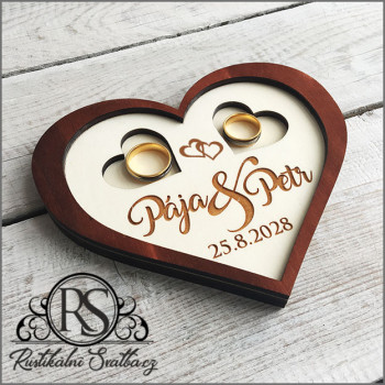 Dřevěný svatební tácek (podnos) na snubní prsteny