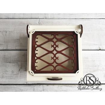 Dřevěná svatební krabička s víčkem s mřížkou malá na cukroví, nebo cokoli jiného