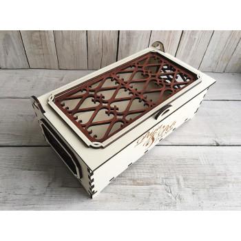 Dřevěná svatební krabička s víčkem s mřížkou velká na cukroví, nebo cokoli jiného
