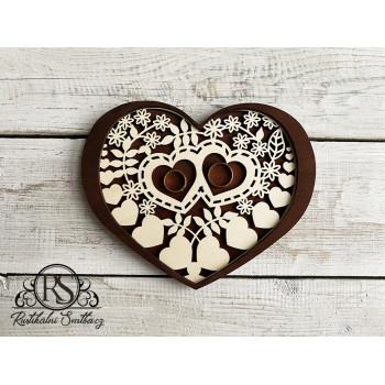 Dřevěný tácek na snubní prsteny
