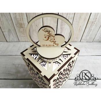 Dřevěná svatební lucerna
