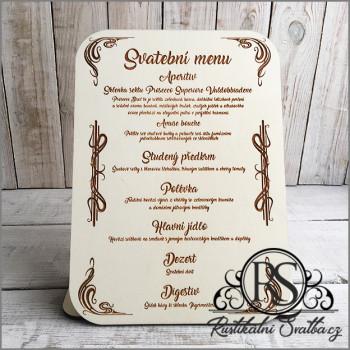 Na svatební tabuli by nemělo chybět svatební menu, ze kterého si svatebčané mohou případně vybrat, co budou pít a jíst.