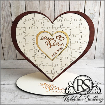 Dřevěná kniha hostů - puzzle ve tvaru srdce